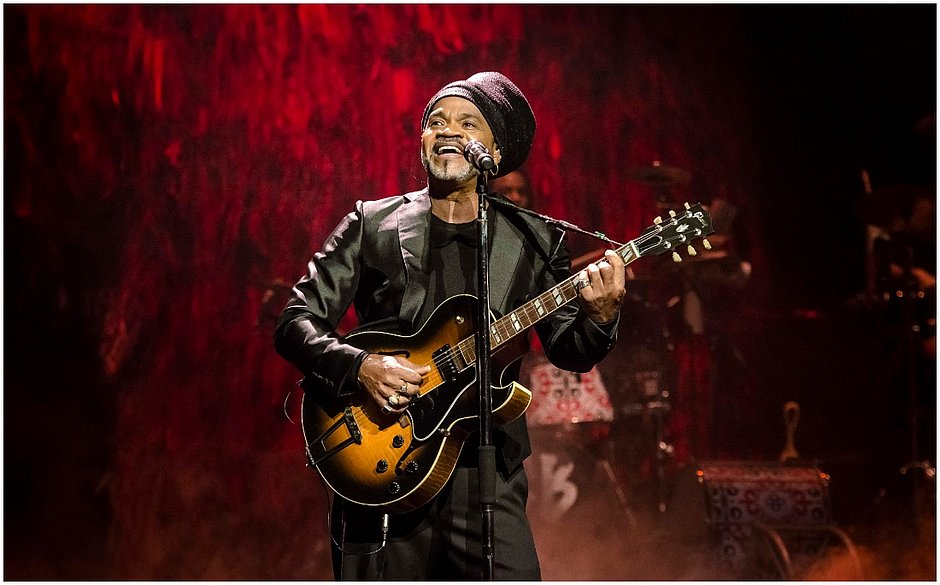 LIVES: CARLINHOS BROWN NA LIVE UMBALISTA É SHOW DEMAIS!
