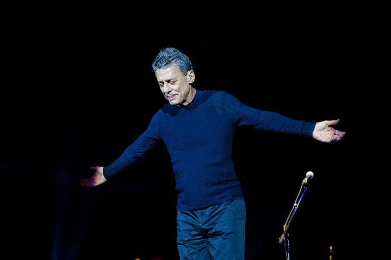 MUSICAL: CHICO BUARQUE NO SHOW CARREIRAS AO VIVO